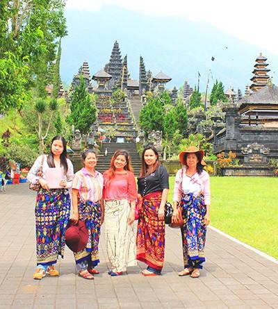 วัดเบซากิห์ หรือ วัดเบซากีห์ วัดที่สำคัญที่สุดของบาหลี : เที่ยววัดบาหลี (Bali)