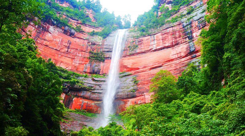 อุทยานผาหินแดง (แสงพระพุทธ) : ที่เที่ยวใหม่ของจีน